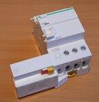 Schneider Electric A9Q21325 Lekstroom-relais voor vermogensschakelaar