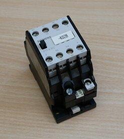 Siemens 3TF4182-0A magneetschakelaar 2NO+2NC 42V-50V, 3TF4182