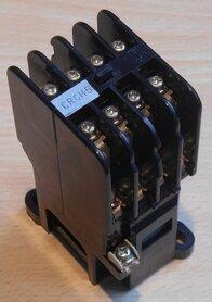 Fuji SRCa50-3F magneetschakelaar 4a4b 110-120V relay