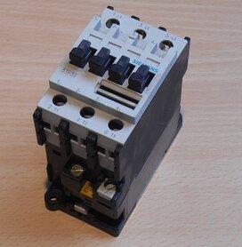 SIEMENS 3TF3200-0A magneetschakelaar 110V 132V 50/60Hz 30A