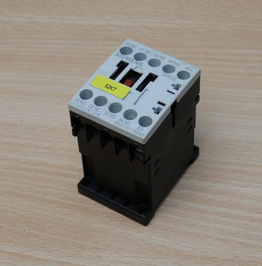 SIEMENS 3RH1131-1BB40 magneetschakelaar 3NO-1NC 24V DC 10A
