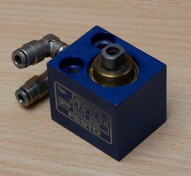 Festo 9701 ADV-20-10 pneumatische cilinder serie 9/86