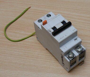Holec NE 230V B16 installatieautomaat 2P 9502140534