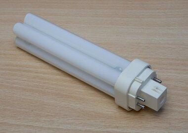 Philips MASTER PL-C 18W 830 4P, 1200 lumen
