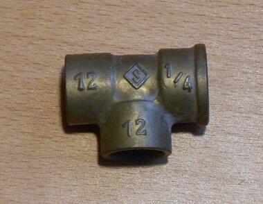 VSH soldeer T-stuk met binnendraad 12x12x1/4 mm Messing