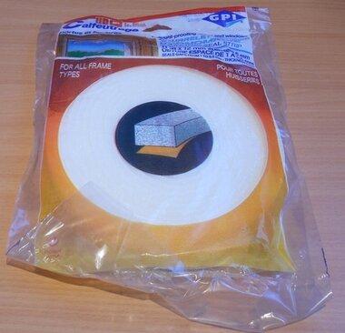 GPI tochtstrip schuimstof wit 15mm, 11m