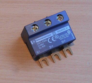 Telemecanique GV1G09 aansluitblok op rail 021257 63A