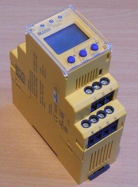 Bender VME421H-D-2 Spanning controle relais 70-300V AC/DC