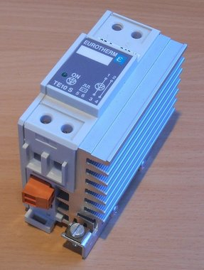 Eurotherm TE10S 25A 240V 25A/240V/LGC/GER (gebruikt)