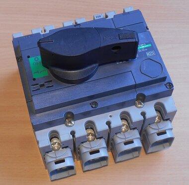 Schneider Merlin Gerin interpact INS250 4P lastscheider 31107