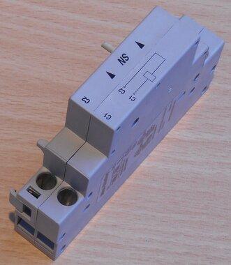 Allen Bradley 140M-C-SNA shunt release 240-260V 60Hz