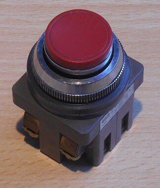 Izumi 41-10650 druk knop AC125V 5A 300V 3A rood