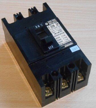 Hitachi F-30B 3P vermogensschakelaar 30A 600V Circuit Breaker