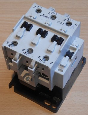 Danfoss CI 32 Magneetschakelaar 220-230V 50Hz 63A 3P 037H006131