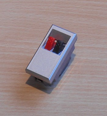 Bticino HC4294 Axolute connector voor home cinema luidspreker