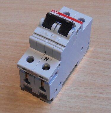 ABB S261-NA B6 Installatieautomaat 6A 1P+N