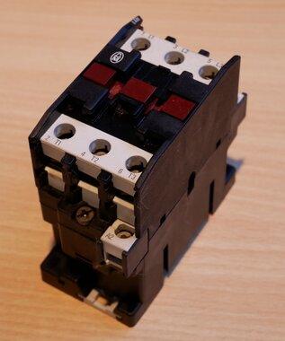 Moeller DIL0AM magneetschakelaar 24V 50 Hz 3P 35A