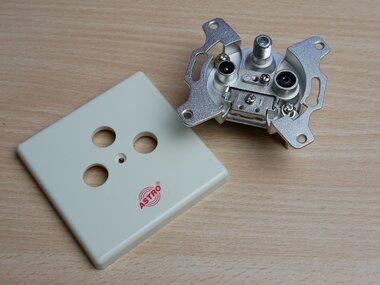 Astro GUT 300/GUZ 43 antennecontactdoos Einddoos 3V 540303