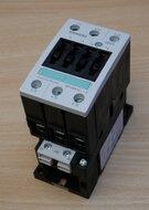 Siemens 3RT1034-1AM20 Power Contactor AC-3 32 A, 15 kW / 400 V, 208 V AC 50 / 60 Hz, 3P