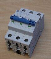 Allen-Bradley 1492-SPM3B320 installatieautomaat 32 A, 3P, Trip B