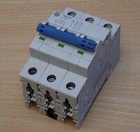 Allen-Bradley 1492-SPM3B250 installatieautomaat 25 A, 3P, Trip B